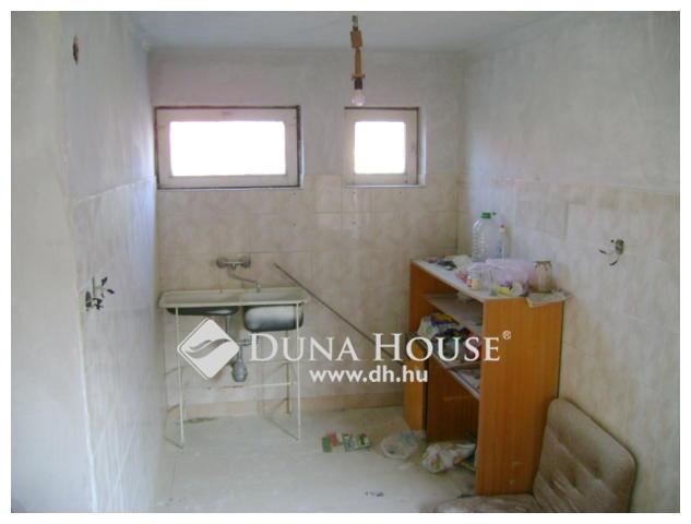 Eladó felújítandó ház