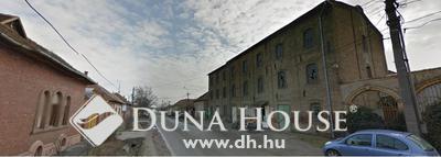 Eladó Ház, Pest megye, Nagykőrös, Jól megközelíthető helyen - vállakozásra alaklamas