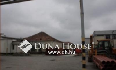 Eladó Ipari ingatlan, Csongrád megye, Makó, Ipari besorolású övezetben