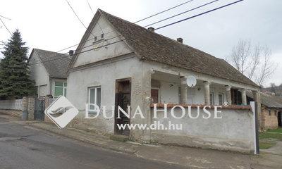 Eladó Ház, Baranya megye, Dunaszekcső, Szabadság tér