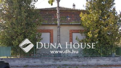 Eladó Ház, Komárom-Esztergom megye, Komárom, Szabadság utca