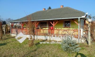 Eladó Ház, Bács-Kiskun megye, Tiszakécske, gyönyörű környezetben