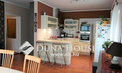 Eladó Ház, Pest megye, Herceghalom, Központhoz közeli utcában