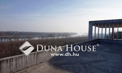 Eladó Ház, Fejér megye, Baracs, A Duna mellett, lenyűgöző panorámával