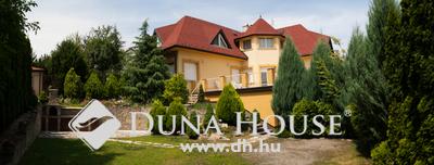 Eladó Ház, Pest megye, Pomáz, 8 szobás, 4 fürdőszobás, gyönyörű kertes ház