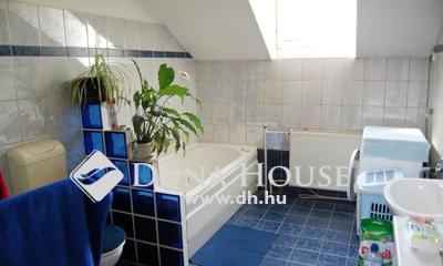 Eladó Ház, Pest megye, Vác, belváros, DOM környékén, két belső szintes