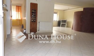 Eladó Ház, Csongrád megye, Szeged, Dobó utca-Váradi sarok
