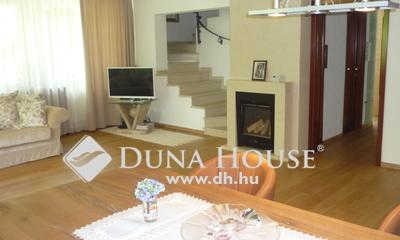 Eladó Ház, Hajdú-Bihar megye, Debrecen, Postakert elején egyedi stílusú családi ház