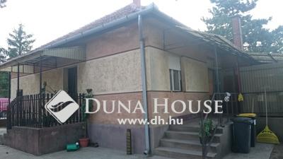 Eladó Ház, Pest megye, Dabas, Gyón egyik csendes utcájában.