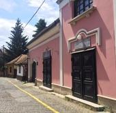 Eladó ház, Szentendre, Óváros, Duna közeli, 3 lakásos