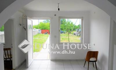 Eladó Ház, Pest megye, Gyál, Csendes környezetben, azonnal költözhető ikerház