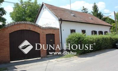 Eladó Ház, Bács-Kiskun megye, Kecskemét, Belvárosban kétrendbeli családi ház