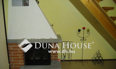 Eladó Ház, Komárom-Esztergom megye, Esztergom, Szamárhegyen zsákutcában, közel a buszhoz