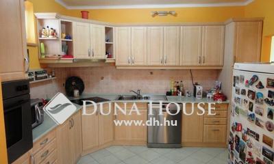 Eladó Ház, Győr-Moson-Sopron megye, Sopron, Ady E. úton 2 szintes társasház egyben eladó
