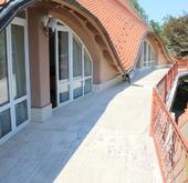 Eladó ház, Szentendre, Szentendre Pismány alján villaépület eladó!