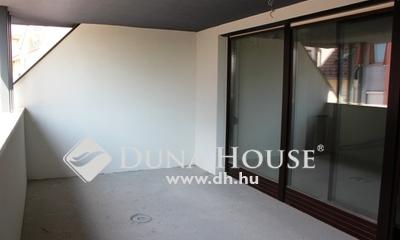 Eladó Lakás, Bács-Kiskun megye, Kecskemét, Belvárosban új építésű 130 nm-es, erkélyes lakás