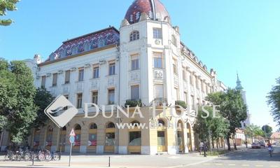 Eladó Lakás, Pest megye, Nagykőrös, Főtéren, 105 nm-es irodának is alkalmas lakás