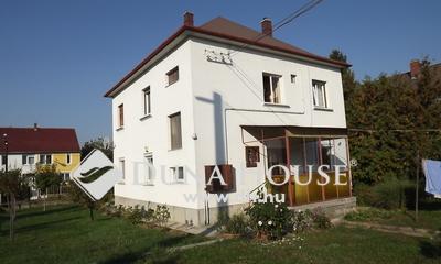 Eladó Lakás, Veszprém megye, Veszprém, Puskin utca