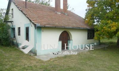 Eladó Ház, Csongrád megye, Csongrád, Bokros dűlő