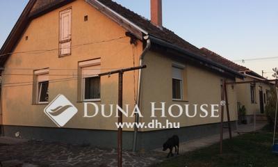 Eladó Ház, Pest megye, Érd, tusculánum,két külön bejáratú ház, nagy telek