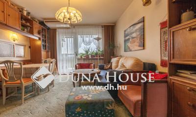 Eladó Lakás, Budapest, 15 kerület, Rákospalotán a Vácduka téren felújítandó lakás