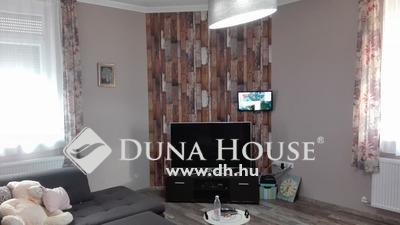 Eladó Ház, Budapest, 15 kerület, Igényes összeköltözőknek
