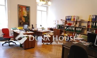 Eladó Lakás, Budapest, 5 kerület, Bazilikánál, szép házban, IRODÁNAK IS KIVÁLÓ!