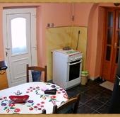 Eladó ház, Pér, Azonnal költözhető családi ház panel áron!