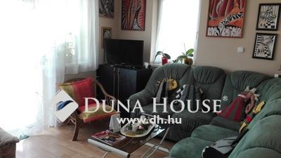 Eladó Lakás, Veszprém megye, Veszprém, 2 szobás, nagy erkélyes újszerű lakás
