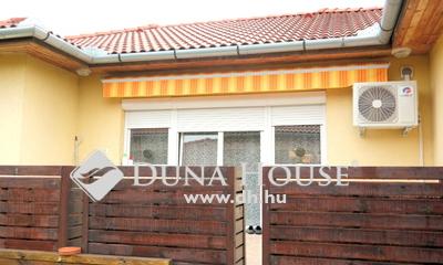 Eladó Ház, Pest megye, Szigetszentmiklós, Zsákutcában, sok extrával felszerelt ikerház!