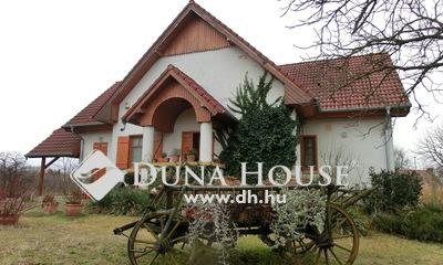 Eladó Ház, Bács-Kiskun megye, Kecskemét, Mézeskalácsház a Belsőnyírben