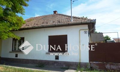 Eladó Ház, Bács-Kiskun megye, Kecskemét, Műkertvárosi 2 szobás családi ház