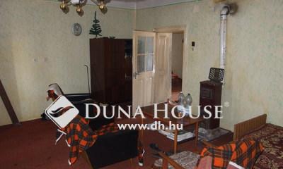 Eladó Ház, Bács-Kiskun megye, Kiskunfélegyháza, Móra tér mellett