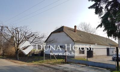 Eladó Ipari ingatlan, Baranya megye, Pécs, Autópálya közelében üzemi terület eladó