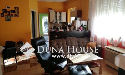Eladó Ház, Budapest, 4 kerület, Fóti úthoz közel,csendes mellékutcában+kocsibeálló