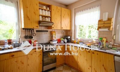 Eladó Ház, Pest megye, Szada, Fenyvesligeti részén háromlakásos családiház