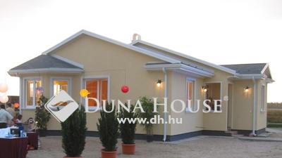 Eladó Ház, Bács-Kiskun megye, Kecskemét, Új építésű családi ház