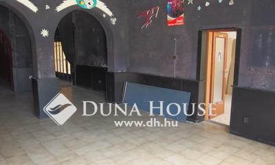 Eladó Ház, Bács-Kiskun megye, Kiskunfélegyháza, Központhoz közel, könnyen megközelíthető helyen