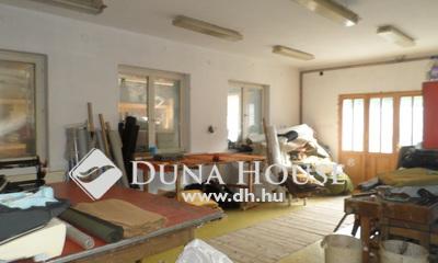 Eladó Ház, Pest megye, Törökbálint, Városközpontban csendes ikerház