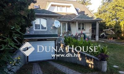 Eladó Ház, Pest megye, Szigetszentmiklós, 2 családnak garázsos családi ház,jó közlekedéssel
