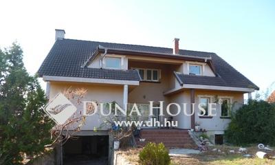 Eladó Ház, Bács-Kiskun megye, Tiszakécske, 2 szintes, nappali + 5 szobás családi ház