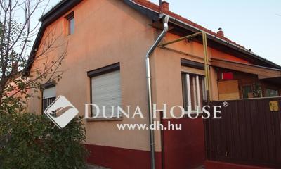 Eladó Ház, Bács-Kiskun megye, Kiskunfélegyháza, Bankfalu- 3 hálószobás külön portás téglaház