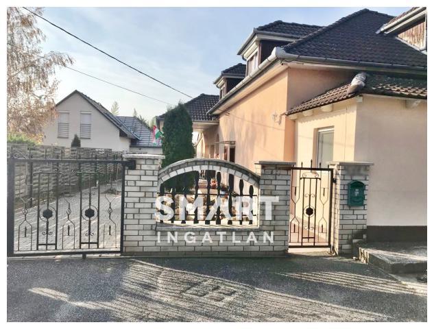 Eladó Ház, Győr-Moson-Sopron megye, Győr, Ménfőcsanakon 224 nm-es családi ház reklám áron!