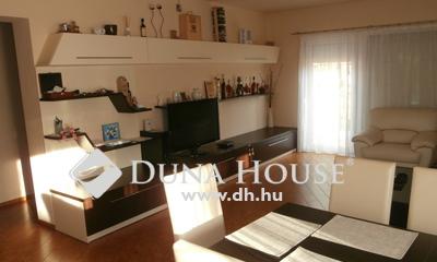 Eladó Ház, Pest megye, Nagykáta, Központban azonnal költözhető igényes családi ház
