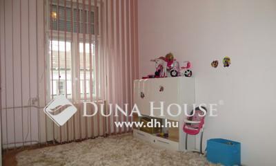 Eladó Ház, Budapest, 18 kerület, Családi házrész központi, csendes környéken