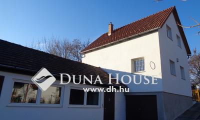 Eladó Ház, Budapest, 22 kerület, Csendes, de minden a közelben