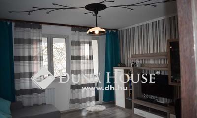 Eladó Lakás, Bács-Kiskun megye, Kecskemét, Széchenyivárosban, FELÚJÍTOTT, 2.5 szobás lakás