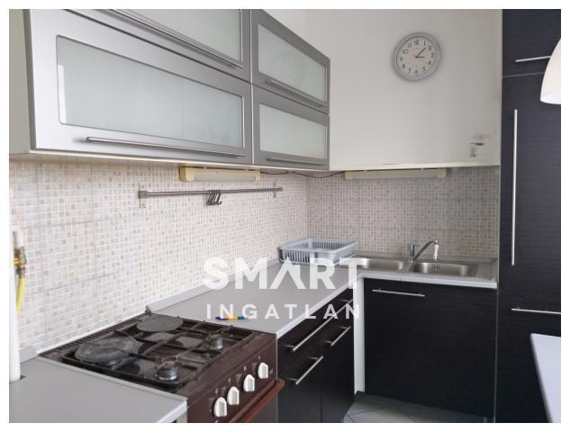 Eladó Lakás, Győr-Moson-Sopron megye, Győr, Adyvárosban 3 szoba + hallos lakás eladó!