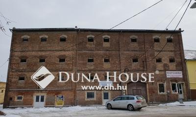 Eladó Ipari ingatlan, Baranya megye, Véménd, Véménd központjában
