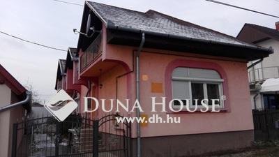 Eladó Ház, Zala megye, Keszthely, Családi házas környék, aszfalt közúttal.